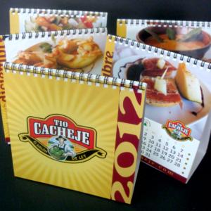 Calendarios sobremesa con encuadernación en espiral